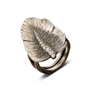 Alexandra Hart - Silver Leaf Ring with Diamond Stem