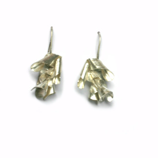 Eva Zuzuarregui - Curled Silver Medium Hook Earings