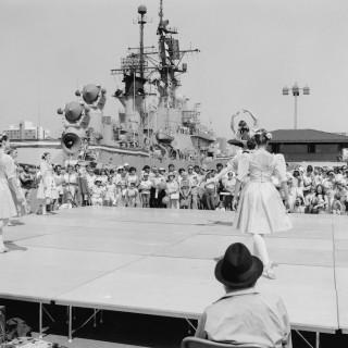 Navy Day, Broadway Pier