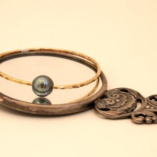 Black Tahitian Pearl Bracelet