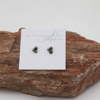 Alexandra Hart - 3 Pebble Earrings