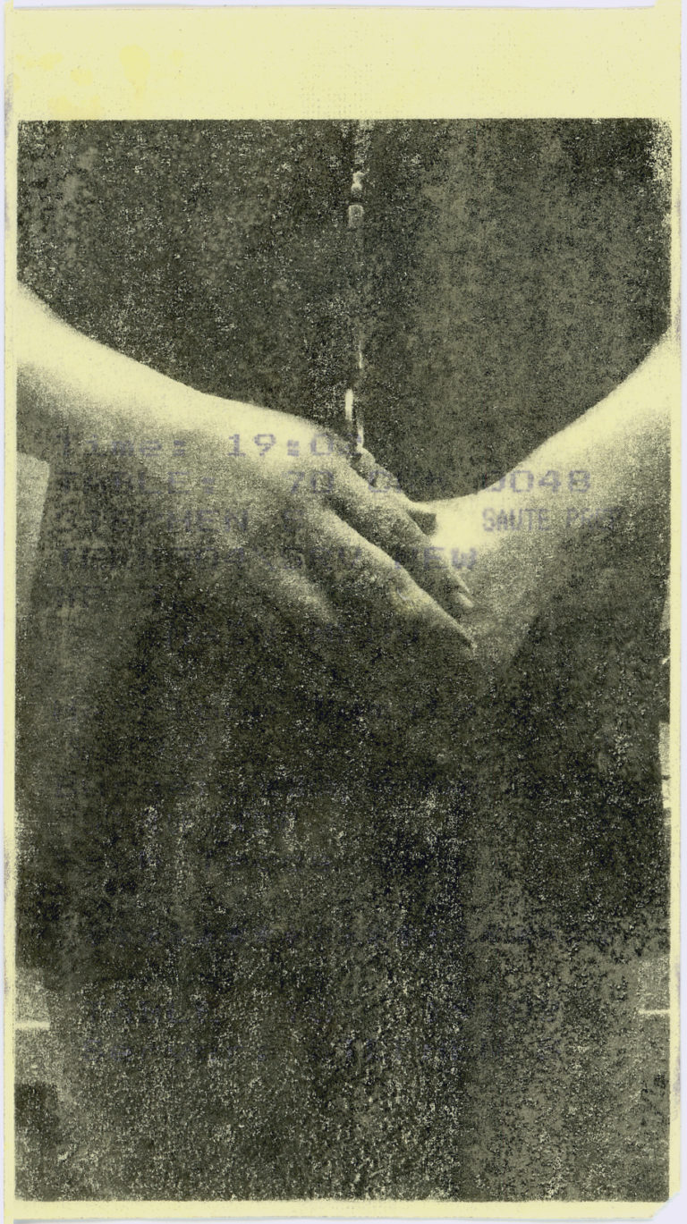 Untitled (hands), from the series Pal' Que No Tiene Identidad
